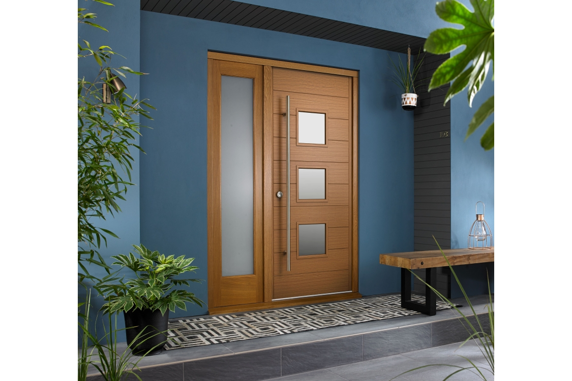Malmo Ultimate External Oak Front Door with Outer Frame and Single Sidelight 1583mm W x 2079mm H
