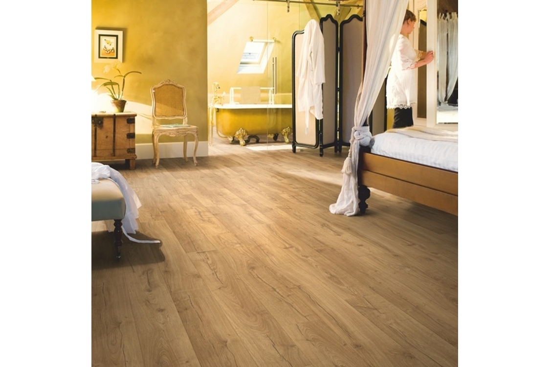 Quick Step Impressive Classic Oak Natural 1380 x 190 x 8mm Pack Size 1.835m2