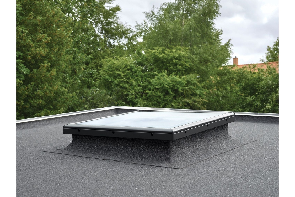 VELUX Fixed Flat Roof Base 1000mm x 150mm