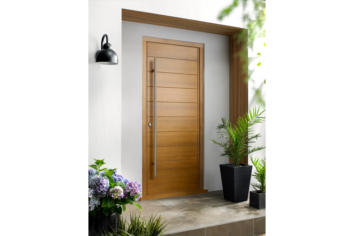 Oslo Ultimate External Oak Front Door with Outer Frame 903mm x 2130mm